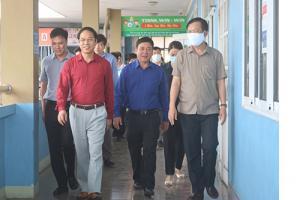 Nhà trường vinh dự tiếp đón Phó Chủ tịch Thường trực UBND tỉnh Đặng Huy Hậu kiểm tra công tác chuẩn bị cho học sinh đi học trở lại